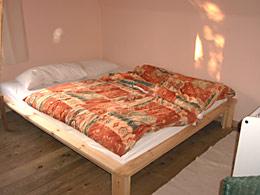 drei zimmer mit fr hst ck in einfamilienhaus in hamburg. Black Bedroom Furniture Sets. Home Design Ideas