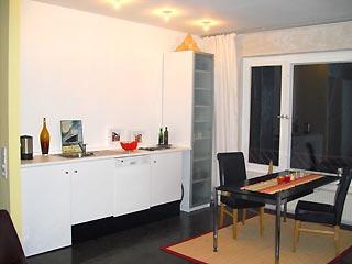 2 zimmer apartment nahe falkplatz und mauerpark prenzlauer berg. Black Bedroom Furniture Sets. Home Design Ideas