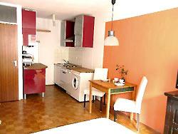 komfortables apartment im zentrum von m nchen. Black Bedroom Furniture Sets. Home Design Ideas